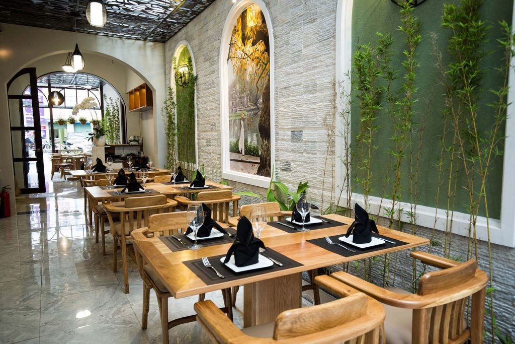Mảng xanh gẫn gũi với thiên nhiên - My Mother Restaurant